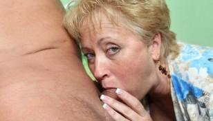 milf cock sucker swallowing a big prick