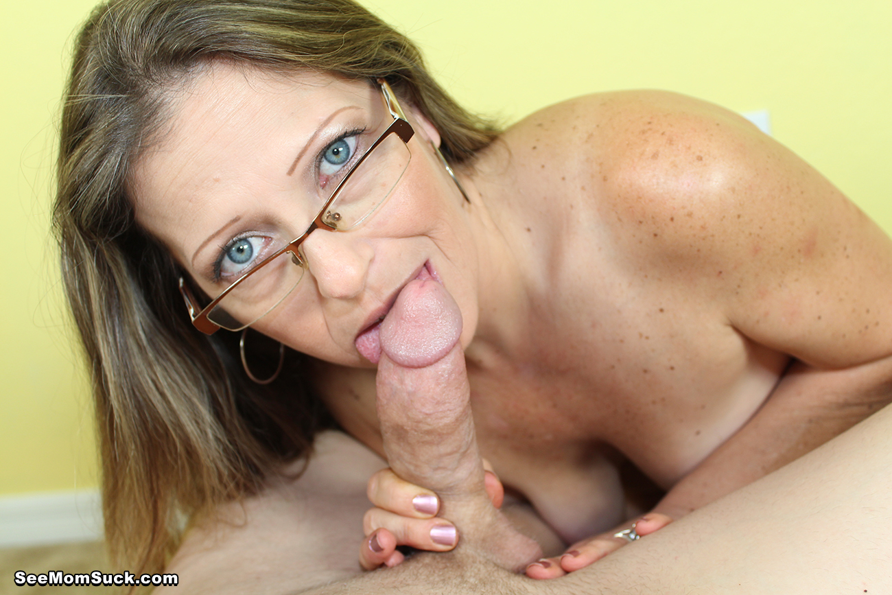 Hot mom suck dick