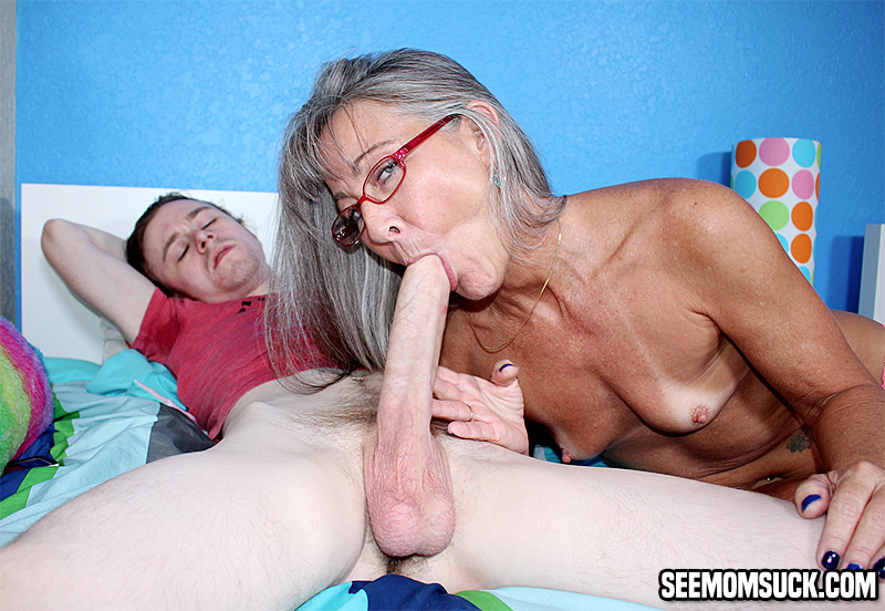 Mom sucks son cumshot movie