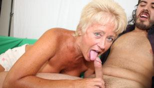Tracy Licks blowjob