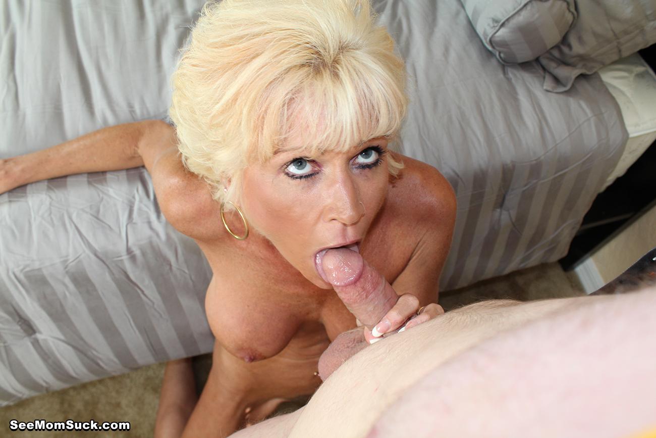 Best horny slurps her own pussy cream slime via webcam - 1 6