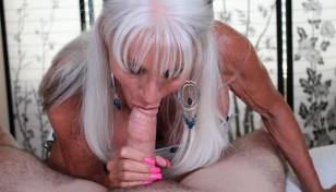 Sally D'Angelo giving head
