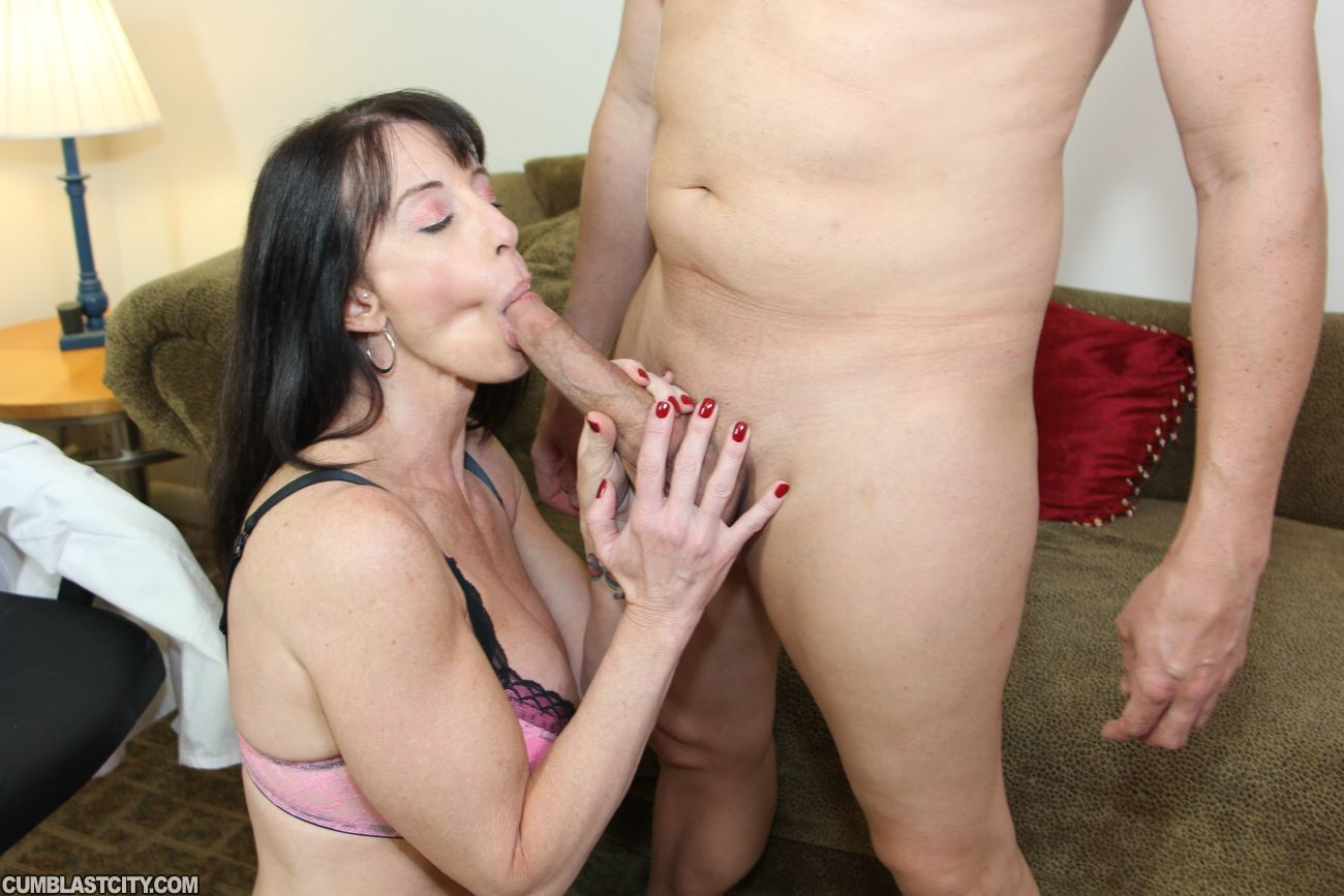 He nutted from head amp a footjob - 1 part 2