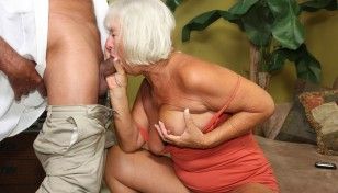 Jeannie Lou sucking cock