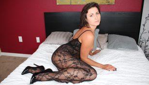 Helena Price posing