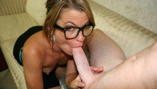 Kylie Monroe sucking cock