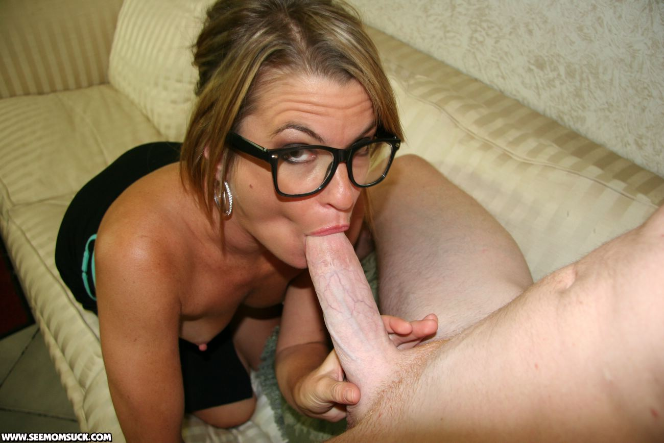 Shemale amateur dildo makeout