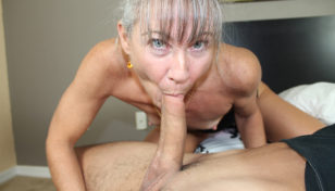 Leilani Lei giving head