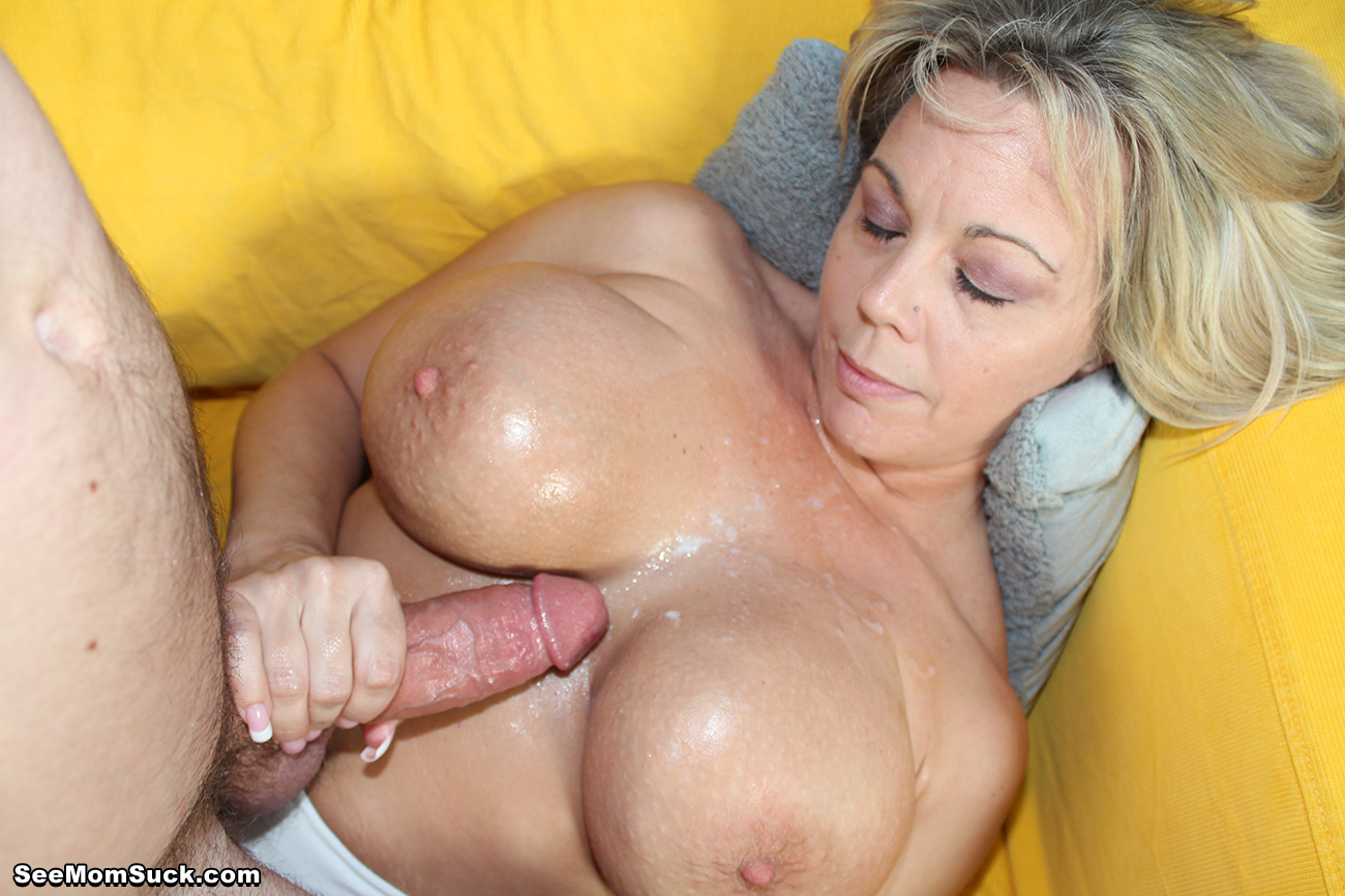 Hot mature mom tube-5317