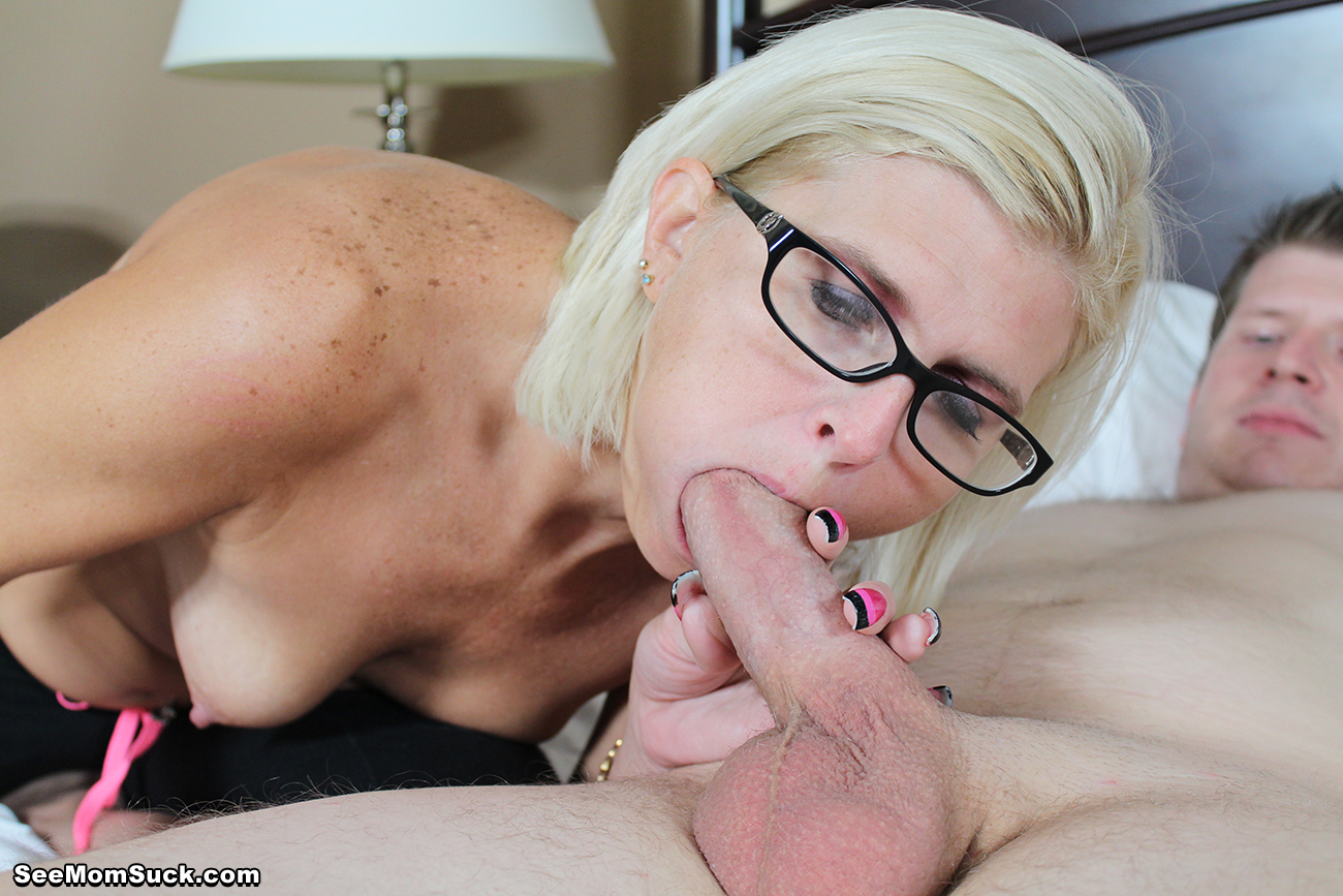 Her cocksucking skills are so powerful he cums for 45 secs - 3 part 4