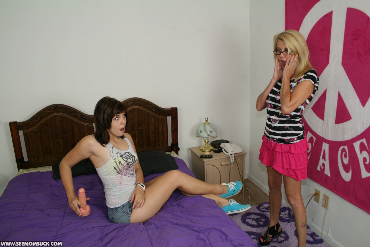 Amateur mother gets her weekly creampie - 2 part 1