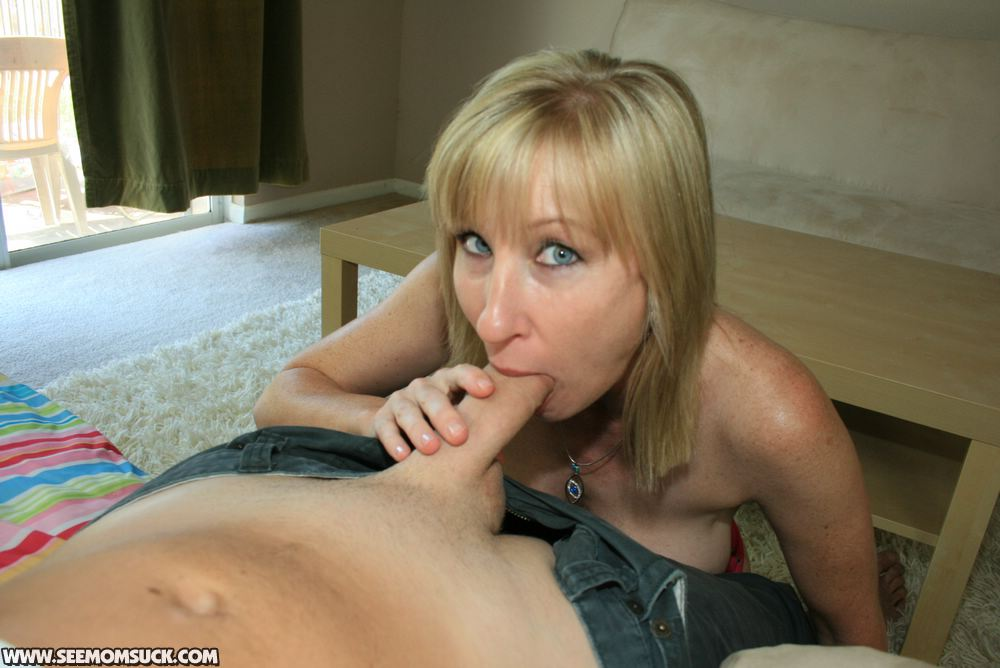 Amateur Mama Blowjob Bilder