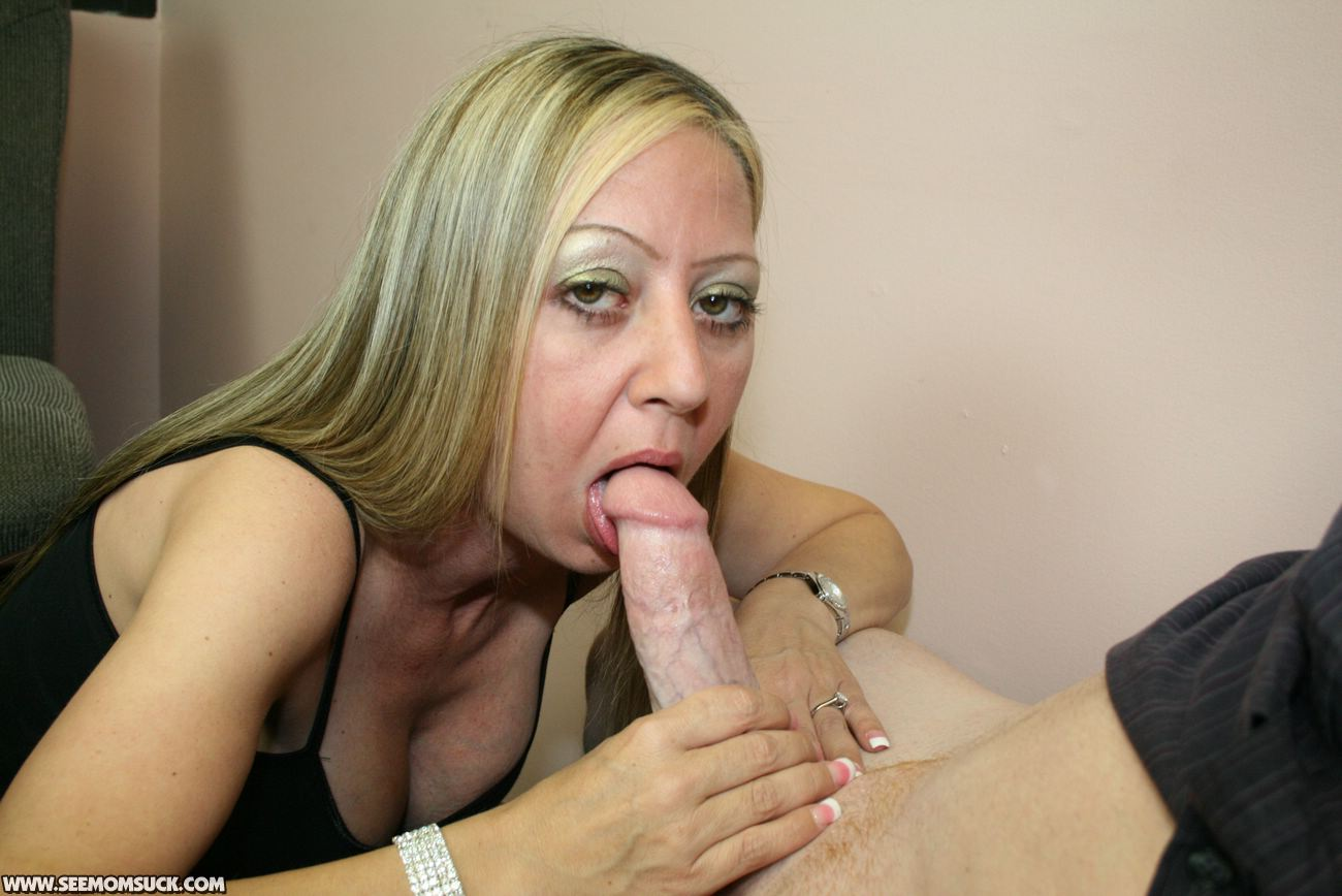 Milf first time with young lesbian