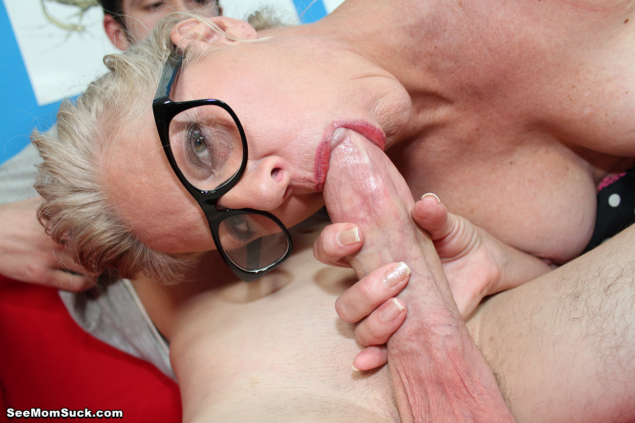 short haired blonde with big pussy lips 13 jpg