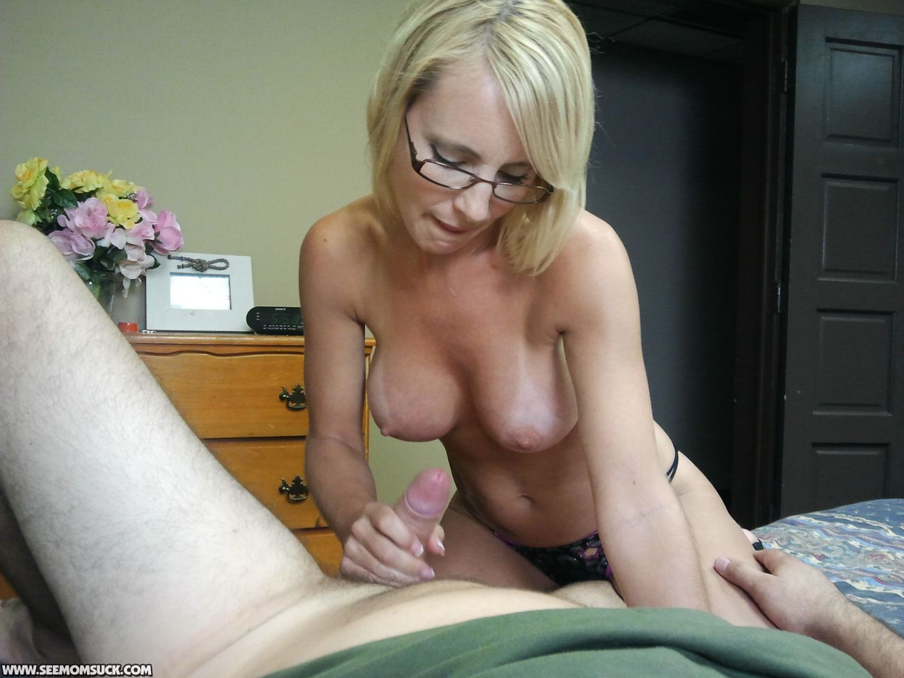 Stepmom help young boy with his first fuck to lost virgin