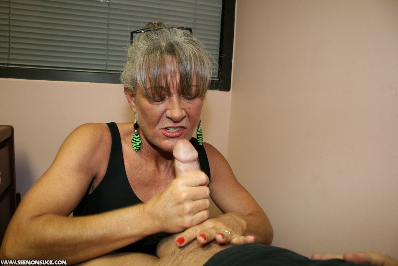 Bj fuck and facial at mcdonalds - 1 5