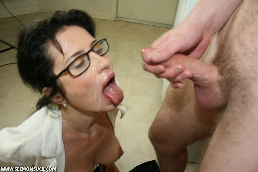 Join Cum in mom movies criticising write